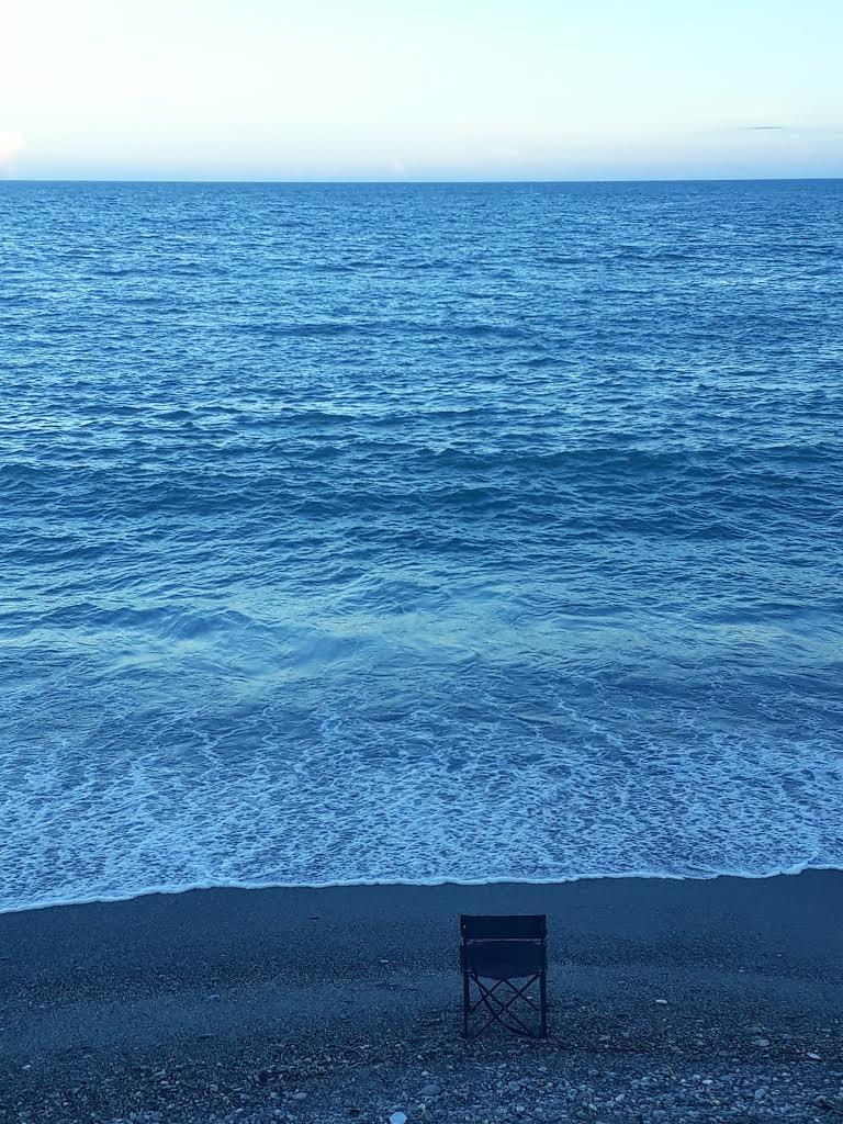 空椅子 ·太平洋
