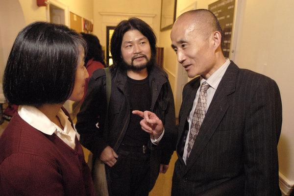 Meng Lang, Poet Who Promoted Dissident Writers, Dies at 57
